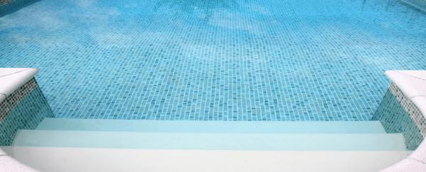 Mozaik medence